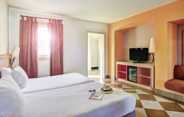 فنادق نعمة باي شرم الشيخ من أكثر الفنادق في شرم الشيخ مصر إقبالاً من السُيّاح.