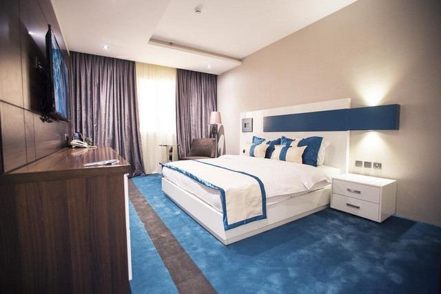 تميز وأناقة ورقي أكثر ما تشتهر به فنادق حي المروج بالرياض .