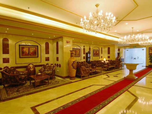 فندق الساحة في المدينة المنورة توفر كافة مرافق الإقامة الفاخرة لنزلائها.