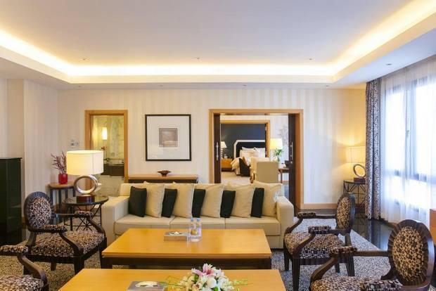 افضل منتجع بالكويت مع غرف بمساحات واسعة وإطلالات ساحرة