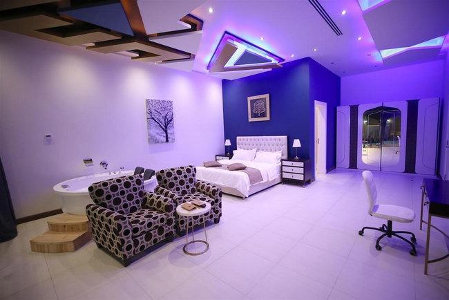 غُرف فاخرة مع جاكوزي في أجمل شاليهات فندقية الرياض