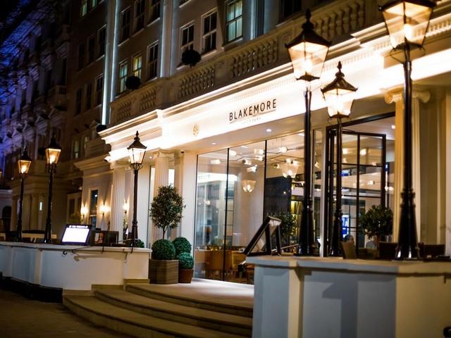 واجهة فندق بليكمور هايد بارك في منطقة هايد بارك بلندن