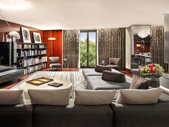 تتميز غرف فندق بولغري لندن بمساحاتها الفسيحة