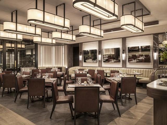 يوفر فندق بلغاري لندن ثلاث مطاعم مميزة تقدم كافة المأكولات العالمية