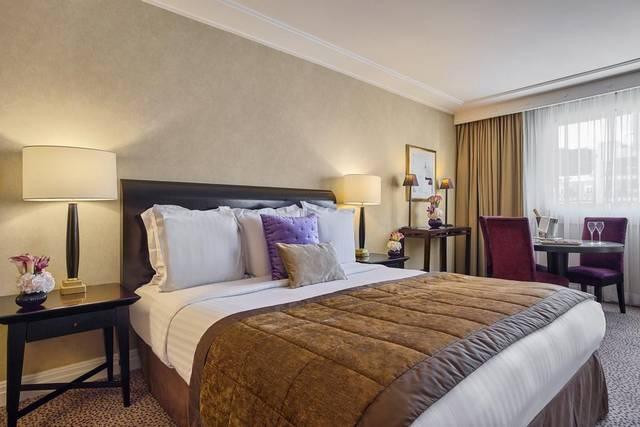 تتميز فنادق شارع الشانزليزية بالرقي فيفضلها السياح عند حجز افضل فنادق باريس على الشانزليزيه