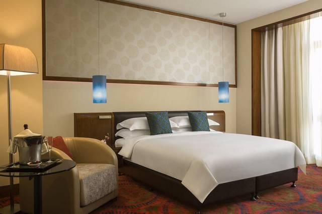 يُعد  فندق روش ريحان من روتانا الرياض افضل فنادق وسط الرياض لكونه يضم العديد من المرافق الخدمية والترفيهية