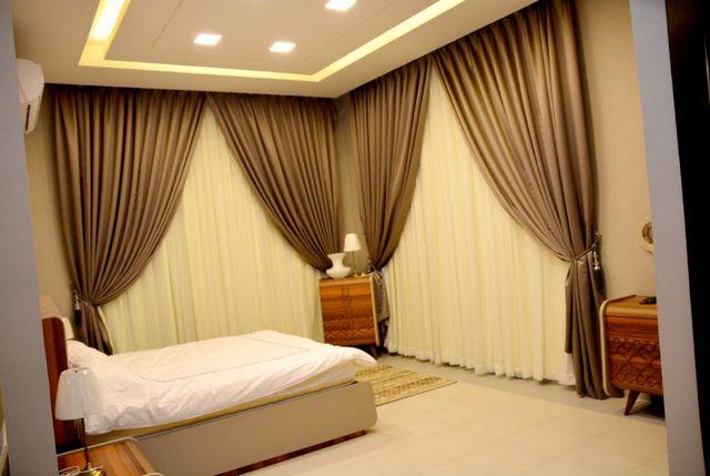 إن كانت تستهويك الإقامة في الرياض، اقرأ تقريرنا عن أفضل شاليهات في شرق الرياض واختر ما يُناسبك