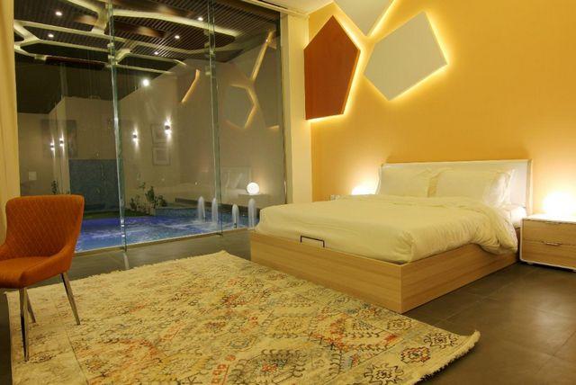إن كانت تستهويك الإقامة في الرياض، اقرأ تقريرنا عن افضل شاليهات في شمال الرياض واختر ما يُناسبك