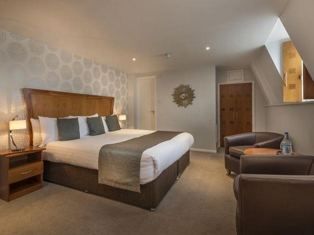 فنادق لندن رخيصة تضم غرف وأجنحة فسيحة تناسب العوائل