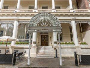 افضلفنادق في لندن رخيصة التي تتمتع بطراز كلاسيكي وموقع مثالي من المطاعم والمعالم السياحية