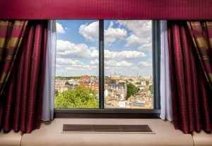 فندق كوبثورن تارا لندن كنسينغتون بمسافة قليلة عن الهايد بارك ومعالم لندن الرئيسية
