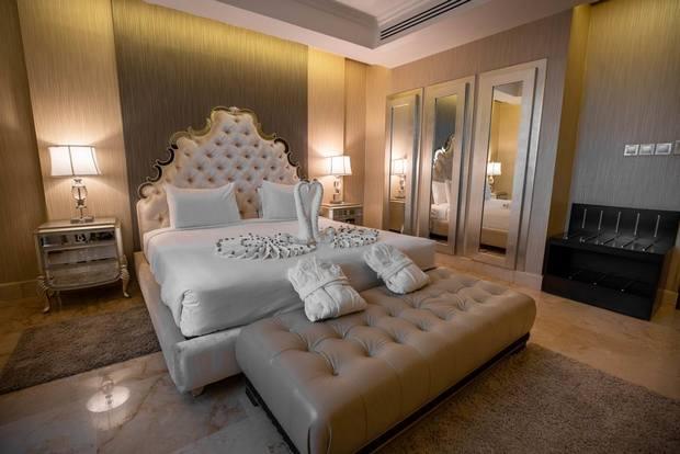 من فنادق قرطبة الرياض التي تتميز بالتصميم الفخم والمرافق المتنوعة.