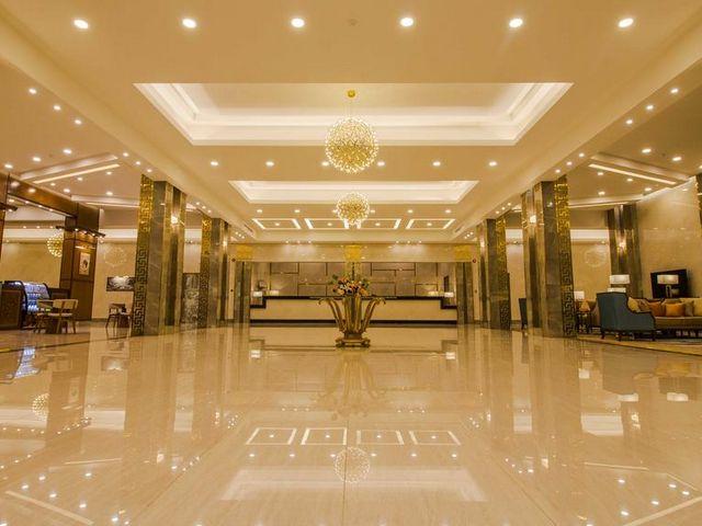 فندق نخبة المكان يضم غرف وأجنحة فسيحة تناسب العوائل