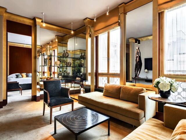 أماكن الجلوس و لقاء النزلاء ببعضهم البعض المميزة في بارك حياة باريس