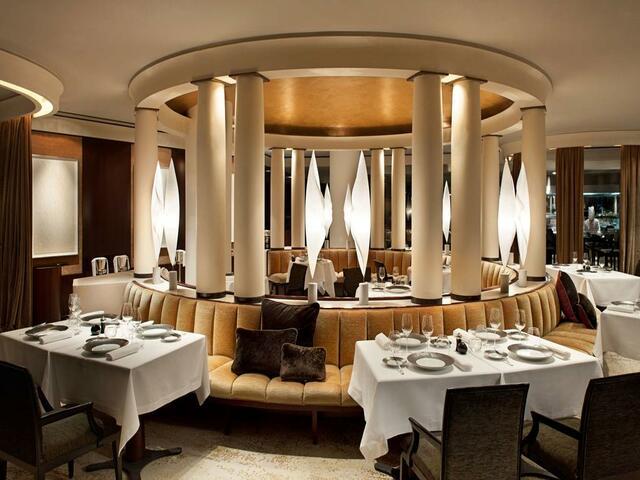 تناول وجية لذيذة في مطعم الفندق و احظَ بصحبة مميزةفي فندق بارك حياة باريس