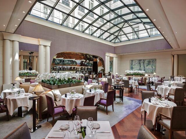 استمتع بتناول أشهى المأكولات في مطاعم بارك حياة باريس