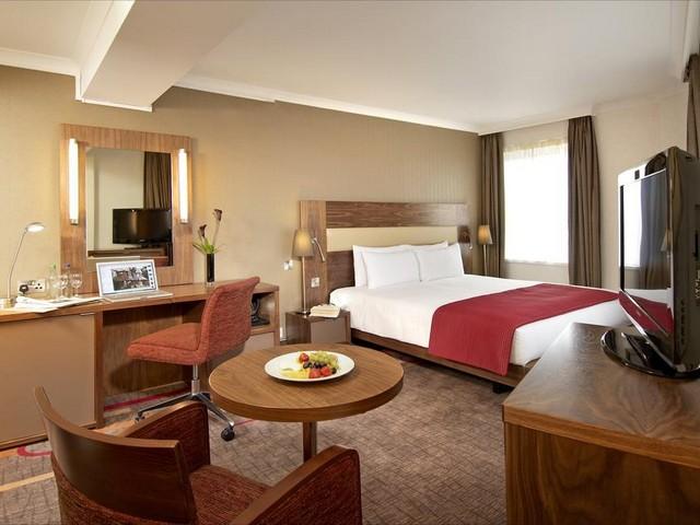 تتميز فنادق هيلتون لندن بتناسق قطع الأثاث والغرف الكبيرة والمميزة للغاية