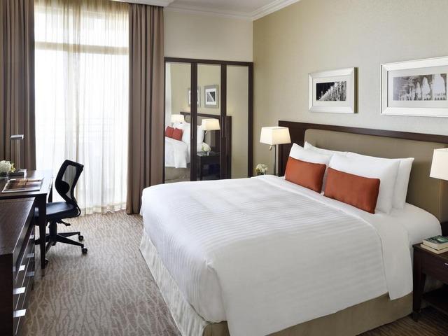 غرف واسعة ومريحة في فندق قريب من مدينة الملك فهد الطبية بمدينة الرياض