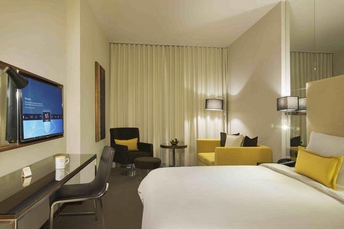 من أفضل فنادق بالقرب من الرياض بارك يُوفّر إقامة فاخرة ومزايا ومرافق متميزة.