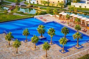 فندق مطار الرياض هو العبارة التي تُطلق على الفنادق القريبة من المطار فتصبح سمة على اسم الفندق