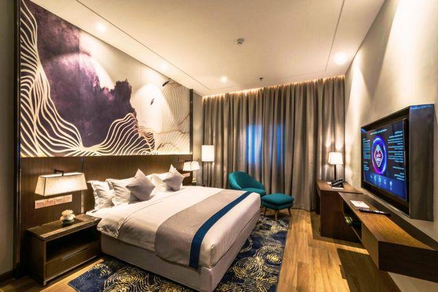 السكن في المدينة الرياض قرار صائب لمن يبحث عن أجواء من المتعة، هذا دليل عن افضل فنادق حي الياسمين بالرياض