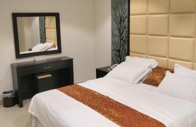 إن كانت تستهويك الإقامة في الرياض، اقرأ تقريرنا عن افضل فنادق الرياض حي الياسمين واختر ما يُناسبك
