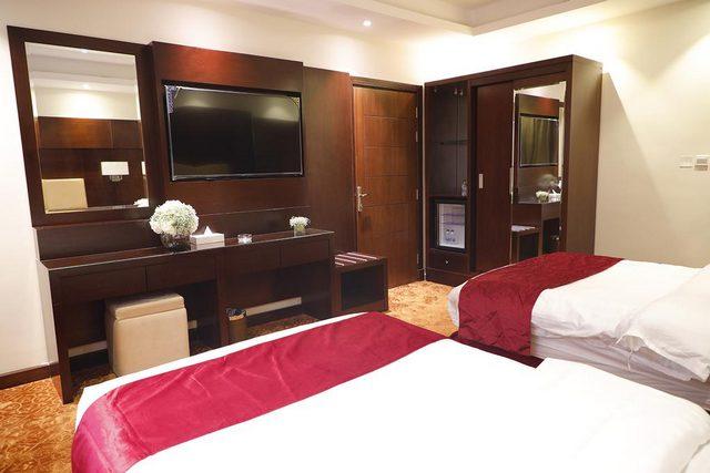 بلاتينيوم الحمرا حاز تقييمات رائعة كونه أحد فنادق رخيصة في جدة