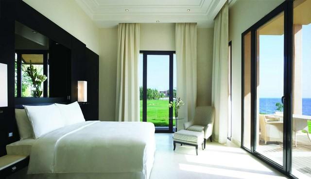 تُعد الإقامة في منتجعات جده من أبرز خيارات الإقامة فهي توفّر مرافق ترفيهية عالية الجودة