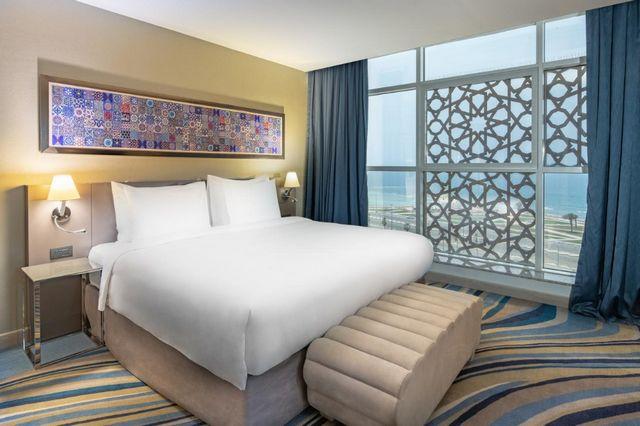 تقرير يشتمل على كافة المعلومات عن فنادق جدة ع الكورنيش