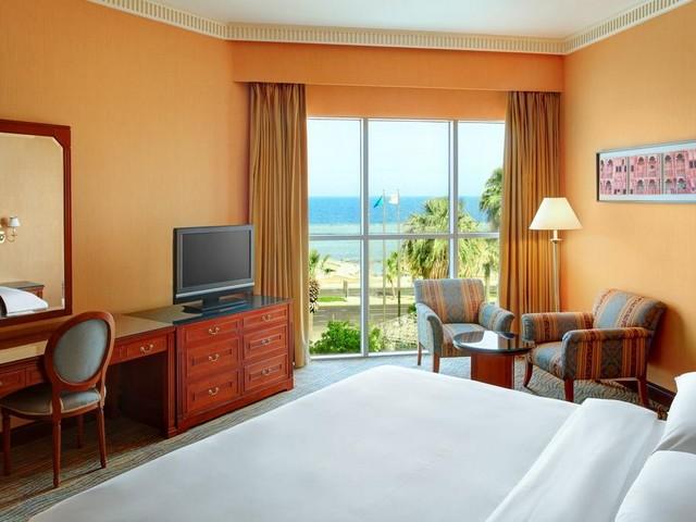 الغرف الكبيرة بالإطلالة من فنادق كورنيش جدة الجديد