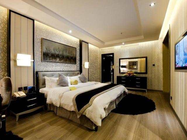 بديكوراتها الراقية، تميّزت مُعظم الغرف في فنادق الرياض طريق الملك فهد