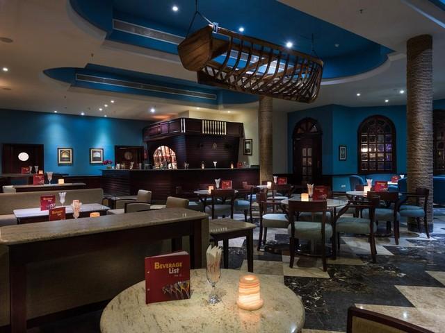 يوفر كيروسيز بارك لاند شرم الشيخ ثلاث مطاعم مميزة للمأكولات العالمية والمحلية والبحرية