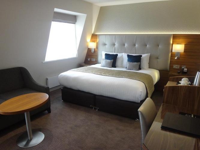 إقامة مميزة في لندن في فنادق لندن ثلاث نجوم .
