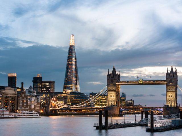 بإمكانك الاستمتاع بالعديد من المرافق الترفيهية التي يمنحها لك السكن في لندن
