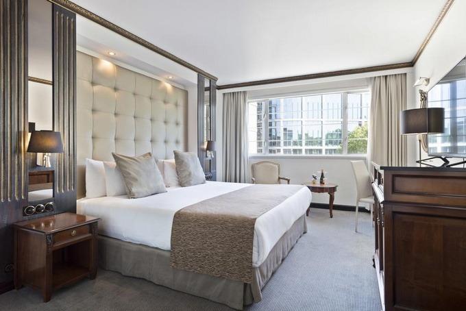 تصميمات هادئة تميز غرف فنادق لندن اربع نجوم .