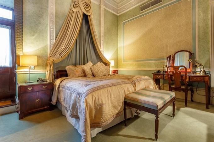 اختر الأفضل لك من بين فنادق لندن 4 نجوم المتميزة.
