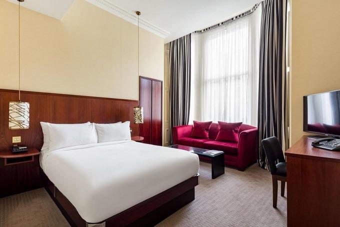 رقي الإقامة في فنادق لندن 4 نجوم الفاخرة.