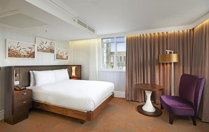 تتميز فنادق لندن اربع نجوم بغرف أنيقة ومفروشات راقية.