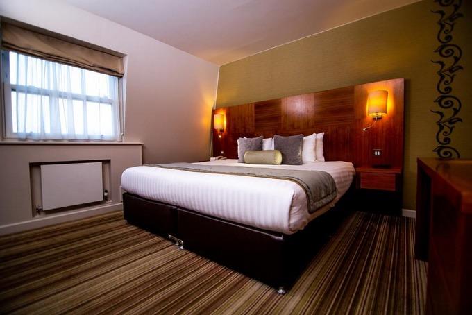 مجموعة من فنادق لندن اربع نجوم ومزايا كلًا منها.