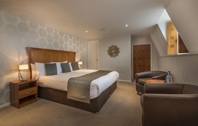 إن كانت تستهويك الإقامة في لندن، اقرأ تقريرنا عن افضل حجز فنادق لندن هايد بارك واختر ما يُناسبك