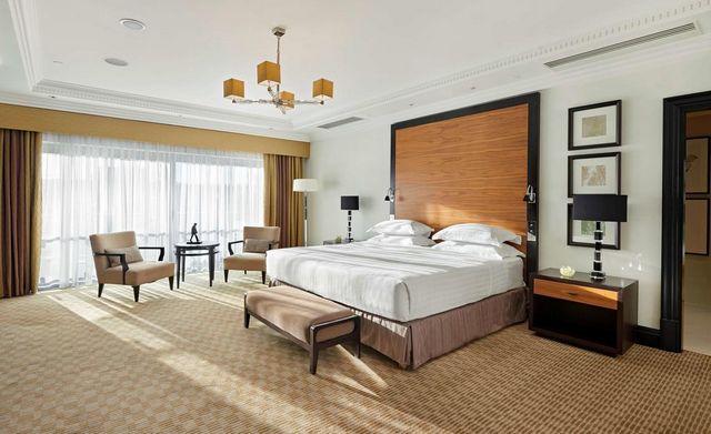 السكن في لندن قرار صائب لمن يبحث عن أجواء من المتعة، هذا دليل عن افضل الفنادق في لندن للعوائل