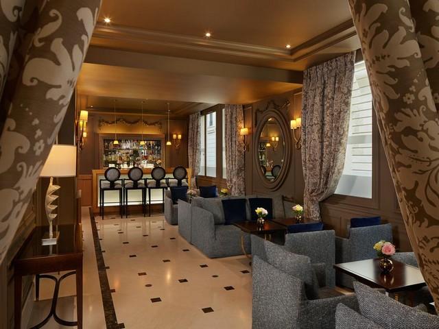 أماكن مخصصة للجلوس في فندق ماجستيك باريس