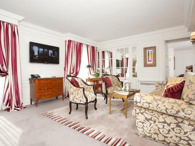 مناطق المعيشة مع ديكورات مميزة في فندق ماجستيك بباريس