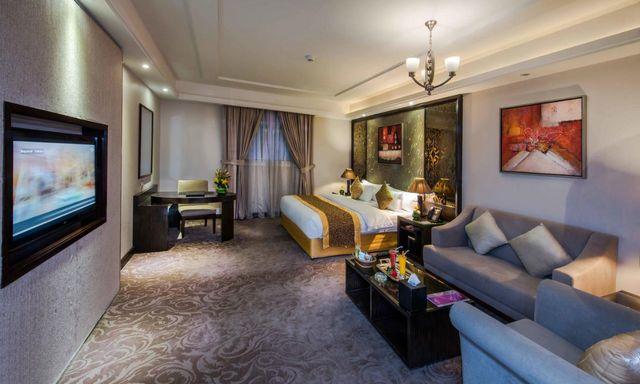 تقرير مفصل عن افضل فنادق الرياض وما يميزها أو يعيبها
