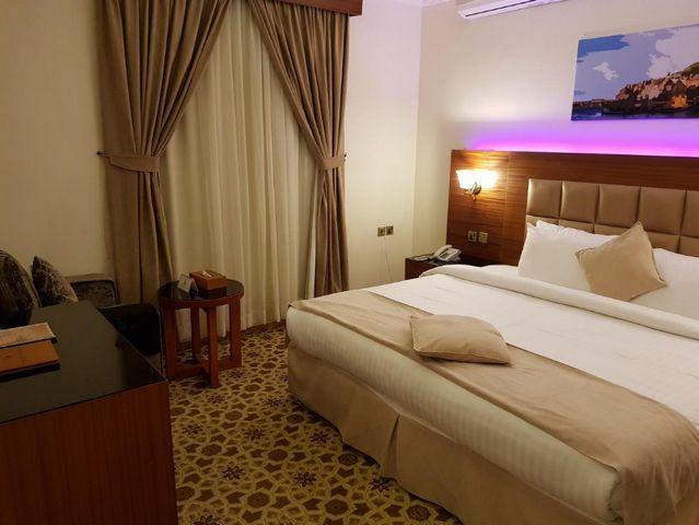 دليل يضم أفضل فنادق الرياض وفقاً لترشيحات زوّارها السابقين حسب تقييمهم لعوامل مُختلفة