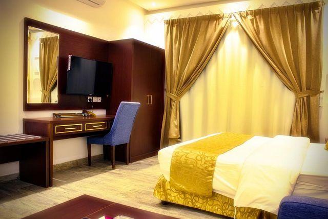 قد تُناسبك الإقامة في فنادق شمال الرياض رخيصه إن كنت تبحث عن فندق يمنحك إطلالة خلابة وخدمات راقية وأسعار مُناسبة