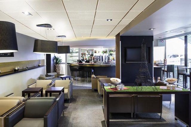فندق نوفوتيل باريس لاديفانس يضمّ مطعماً مميزاً يُقدم بوفيه فطور شهي ومتنوع