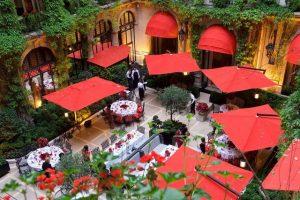 فندق بلازا أتينيه باريس عنوان الفخامة والرقي