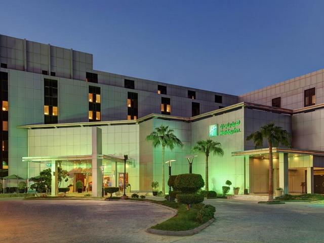 واحد من أجمل فنادق العليا بمدينة الرياض التي توفر غرف مميزة