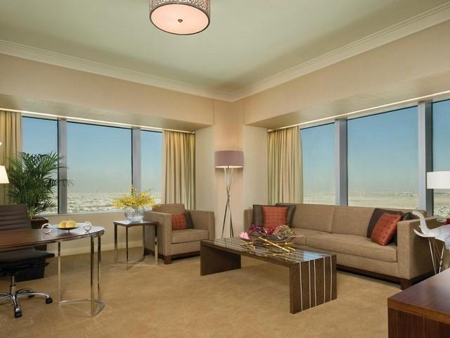 الإطلالات من فنادق الرياض العليا خمس نجوم في الرياض مميزة للغاية وساحرة في المساء